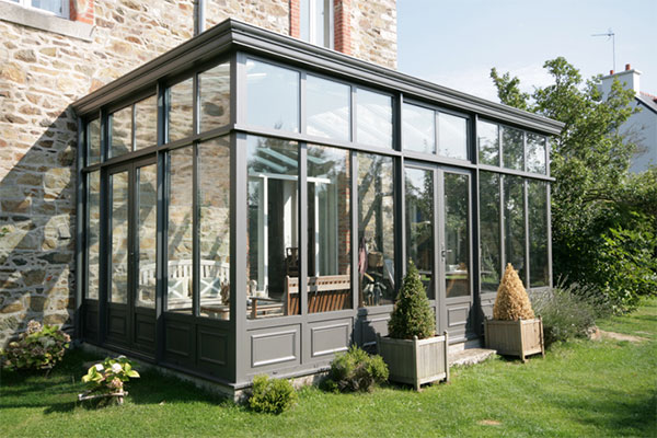 nettoyage vitres veranda nettoyage complet d 39 une v randa vitres et huisseries sur le secteur. Black Bedroom Furniture Sets. Home Design Ideas